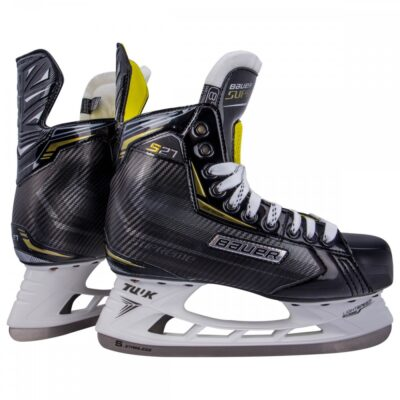Ice Hockey Bauer S27 Skate, Myskate at cockburn ice arena. Perth, Western Australia